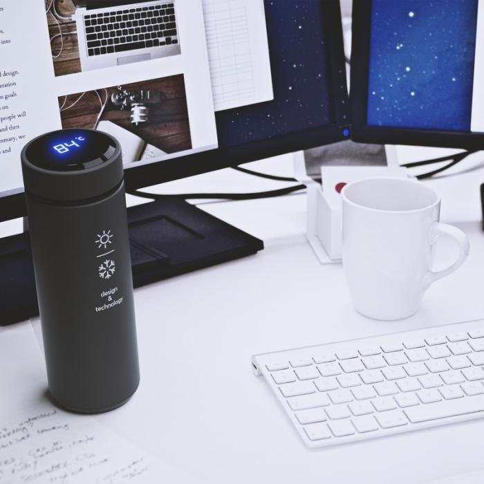 SCX Design smart bottle