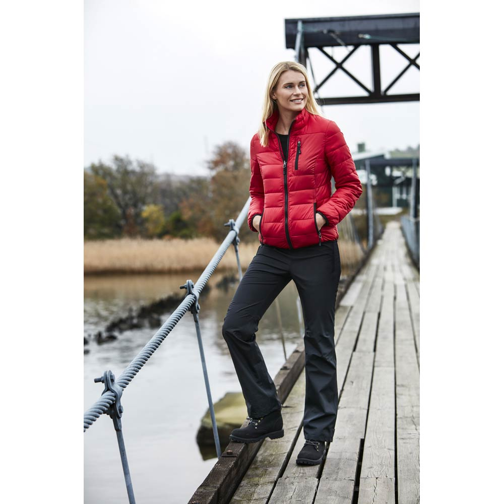 Alma Lättviktsjacka Dam cerise